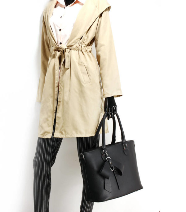 black bow charm leather tote bag in pakistan