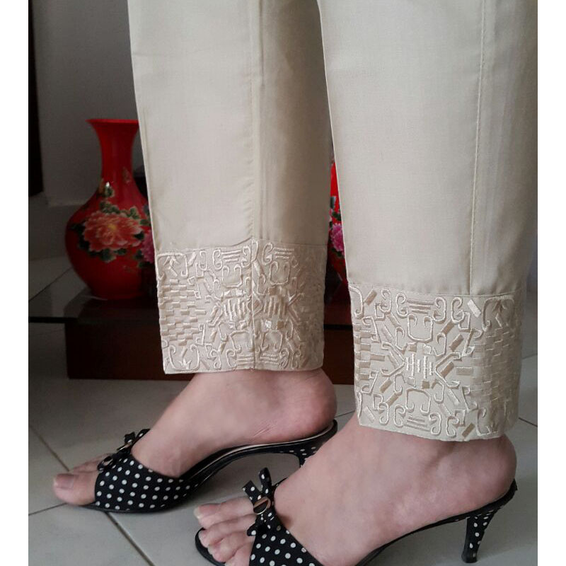 beige Trouser With Embroidery