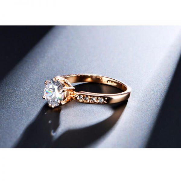 1.75 Carat Zircon Rose Gold Glowing Diamante Ring2