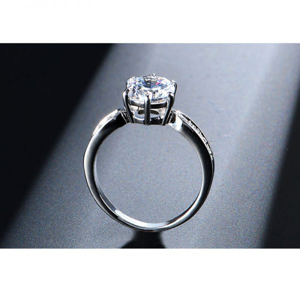 1.75 Carat Zircon Silver Glowing Diamante Ring4