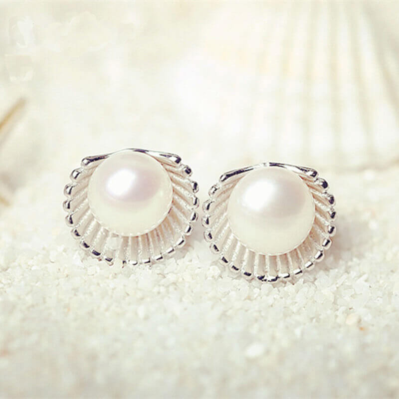 Shell Design Pearl Stud Earring Silver