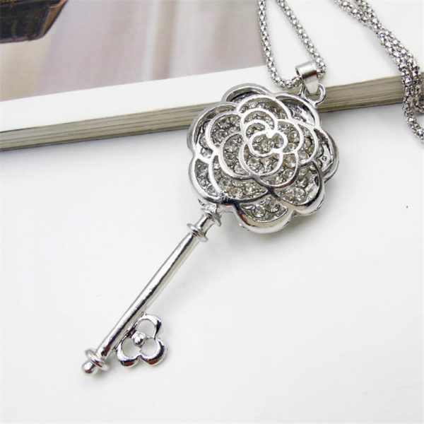 AN72 Long Floral Key Pendant Stylish Latest Design Necklace