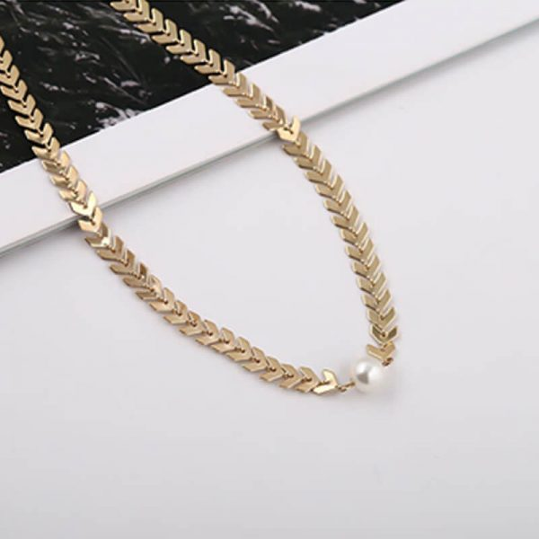 AN83- Gold Chain Ckoker Necklace With Pearl