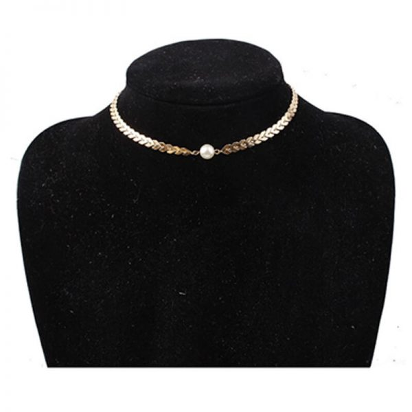 AN83– Gold Chain Ckoker Necklace With Pearl