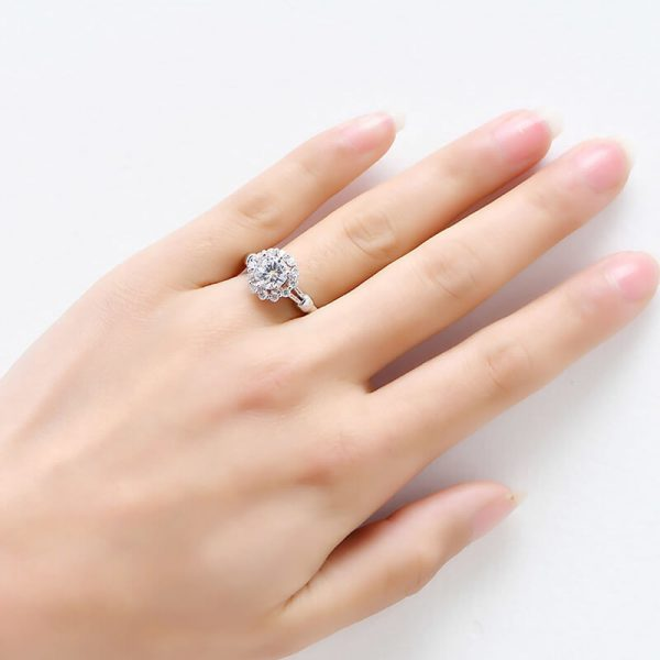 AAA Zircon Floral Silver Ring AR28