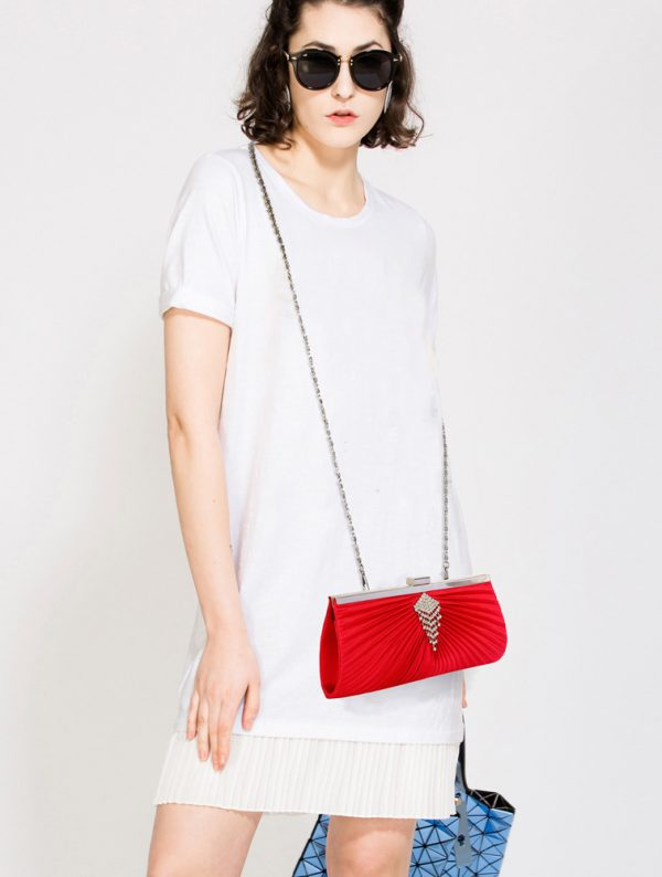 LSE00221 – Red Satin Clutch Bag With Crystal Decoration_6_