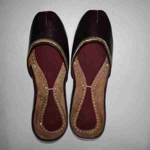 ZS10 Maroon Ladies Khussa Shoes Non Slip3