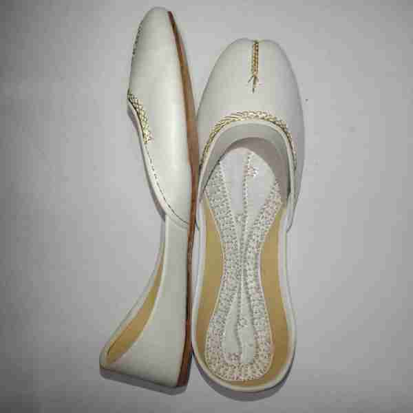ZS10 White Ladies Khussa Shoes Non Slip