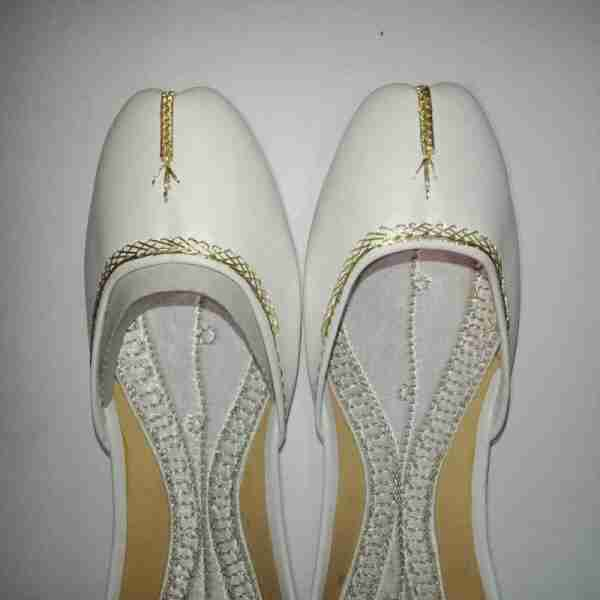 ZS10 White Ladies Khussa Shoes Non Slip2