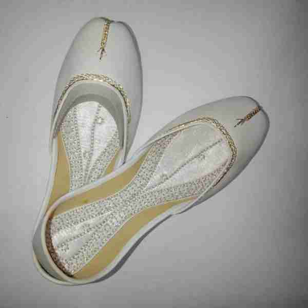 ZS10 White Ladies Khussa Shoes Non Slip3