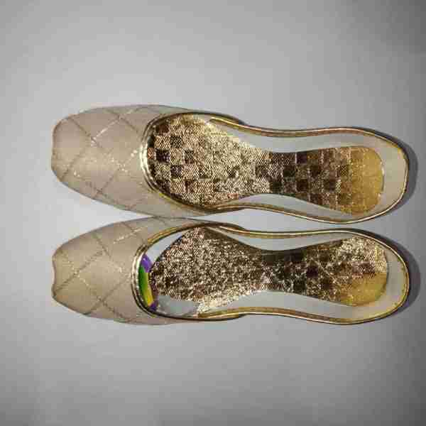 ZS11-BEIGE Khussa Shoes Check Design – Non Slip1