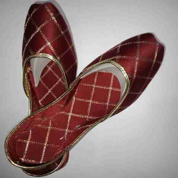 ZS11-Maroon Khussa Shoes Check Design – Non Slip1