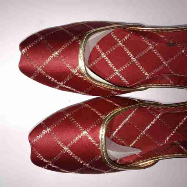 ZS11-Maroon Khussa Shoes Check Design – Non Slip3