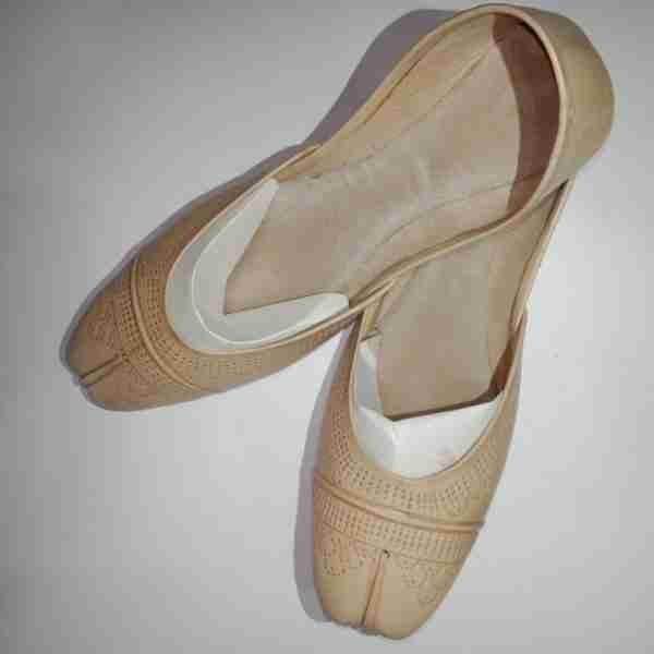 ZS13-BEIGE Leather Khussa Shoes – Non Slip1