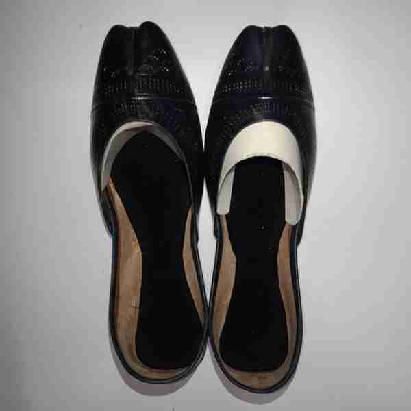 ZS13-Black Leather Khussa Shoes – Non Slip