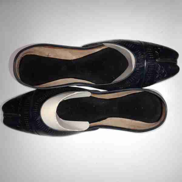 ZS13-Black Leather Khussa Shoes – Non Slip1