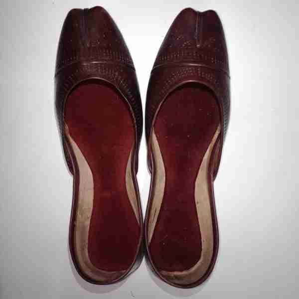 ZS13- Maroon Leather Khussa Shoes – Non Slip