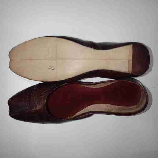 ZS13- Maroon Leather Khussa Shoes – Non Slip1