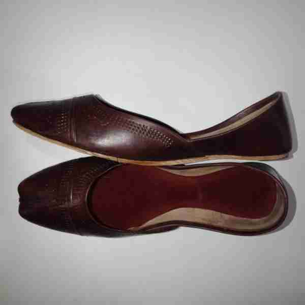 ZS13- Maroon Leather Khussa Shoes – Non Slip2