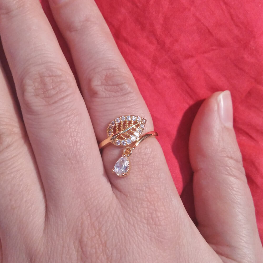 Leave Ring With Diamantes