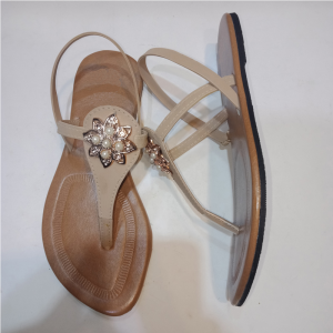 Ladies flat sandal 8