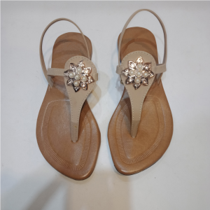 Ladies flat sandal 10