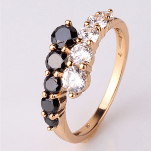 Gold Ring For Women With Diamantes